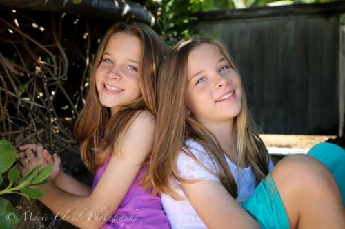 Maui twin sisters Family Portrait